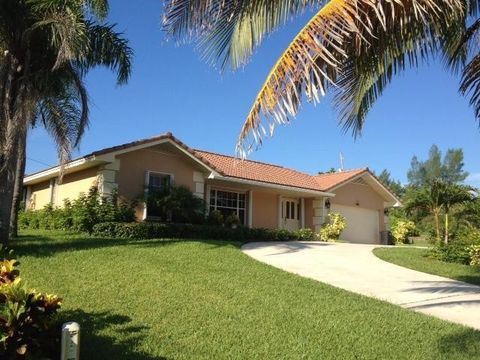 400 S Lyra Cir, Juno Beach, FL 33408