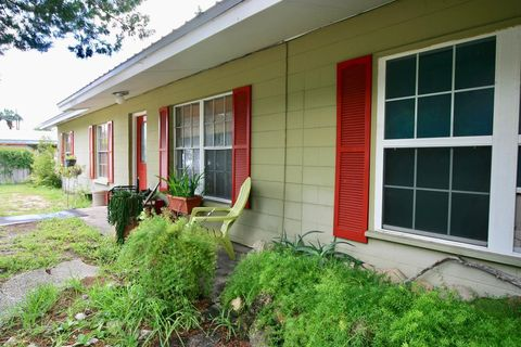Fabulous 12303 Cedar St Cedar Key Fl 32625 Home Interior And Landscaping Transignezvosmurscom