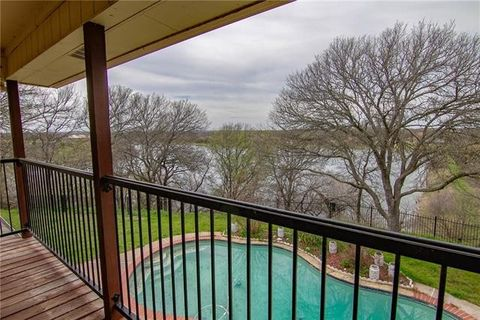 Photo of 137 Lakeview Dr, Aledo, TX 76008