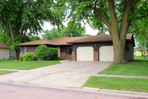 Photo of 105 Avenue C W, Lake Park, IA 51347