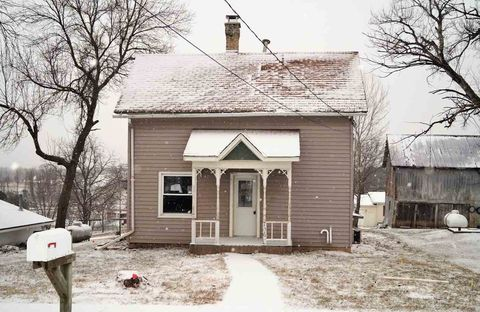 Photo of 706 State St, Hollandale, WI 53544