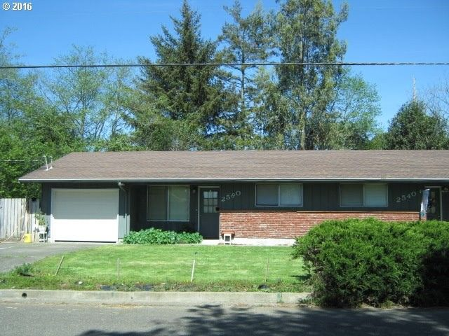 2540 Lewis St North Bend, OR 97459