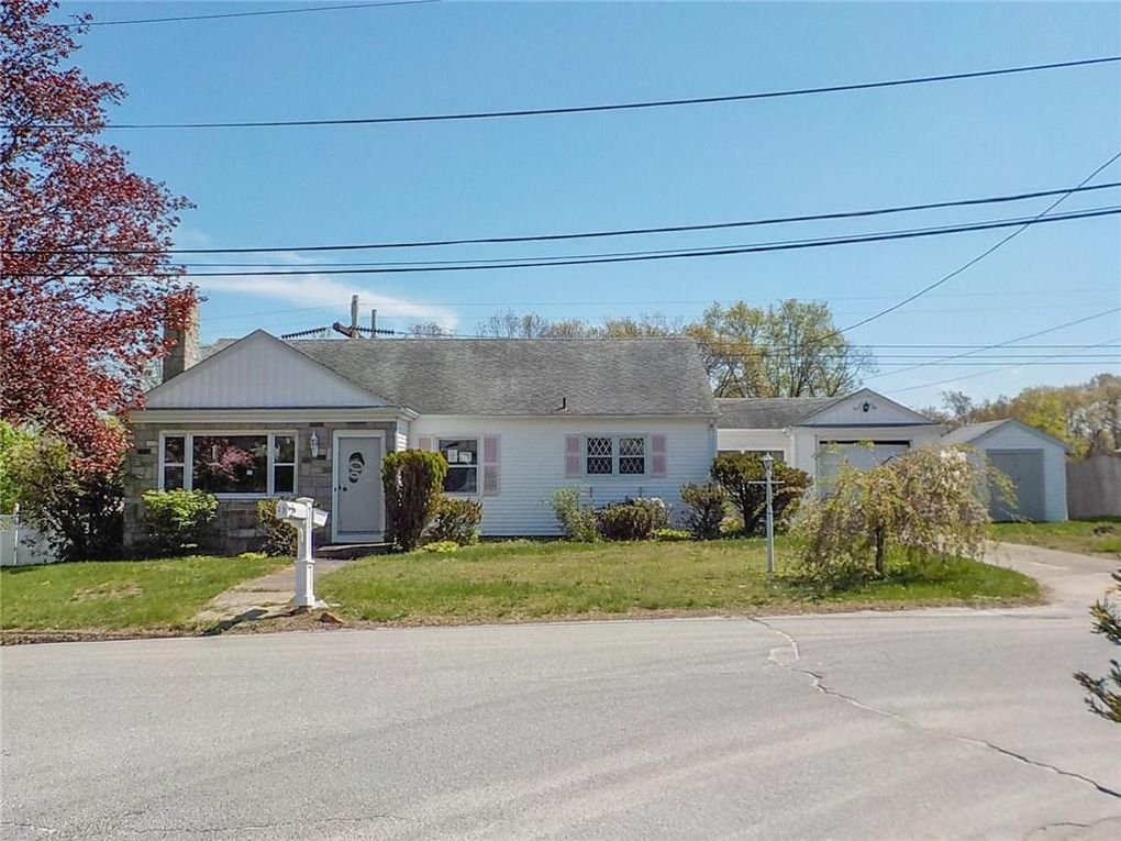 23 Chestnut Grove Ave Cumberland RI 02864