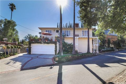 4820 Escobedo Dr, Woodland Hills, CA 91364