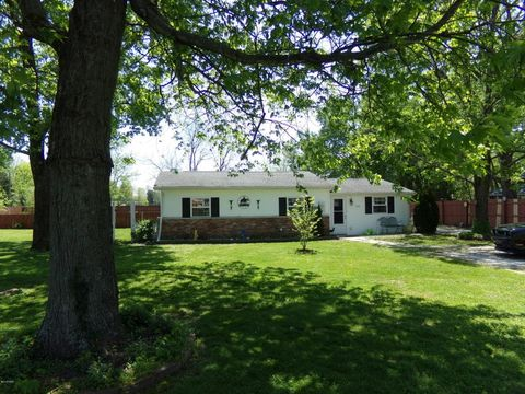 1404 E Cleveland St, West Frankfort, IL 62896
