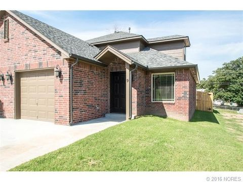 7 W 32nd Ct, Sand Springs, OK 74063