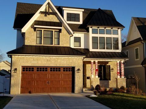 371 N Highview Ave, Elmhurst, IL 60126