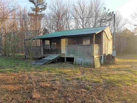 Photo of 2243 Douglas Dr, Holladay, TN 38341