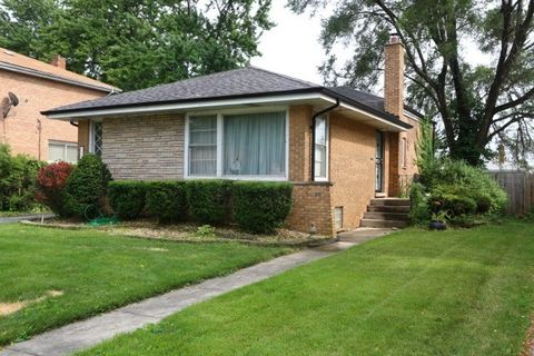 1023 E 161st St, South Holland, IL 60473
