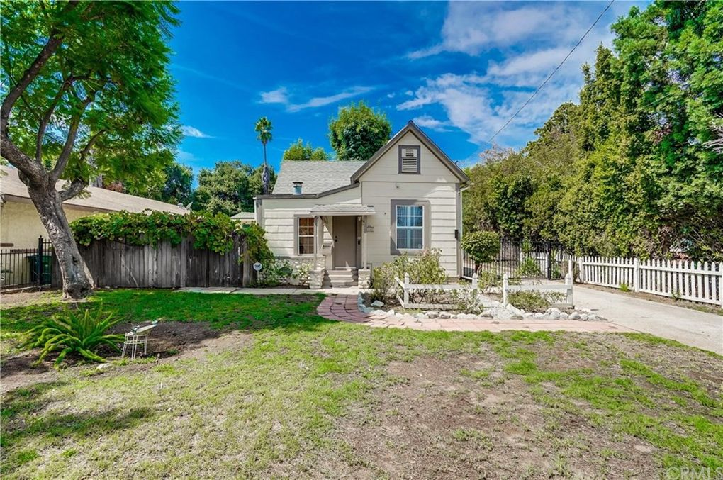 1789 N Marengo Ave Pasadena, CA 91103
