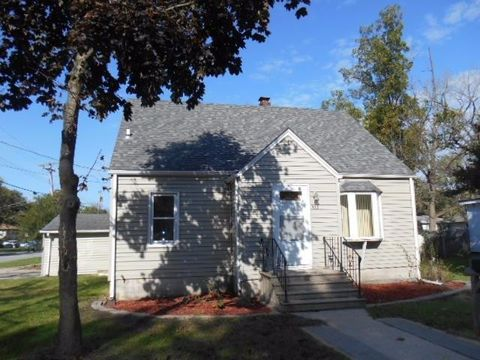 902 E Elm St, Griffith, IN 46319