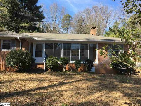 Photo of 104 Vanderbilt Rd, Spartanburg, SC 29301
