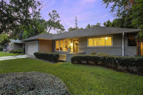 5338 Schumacher Ln, Houston, TX 77056