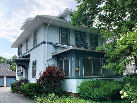 Photo of 191 Genesee Park Blvd, Rochester, NY 14619