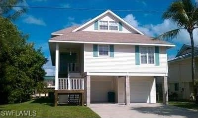 125 Curlew St, Fort Myers Beach, FL 33931