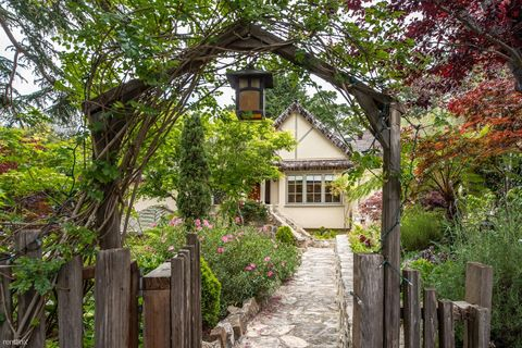 Photo of 2505 2nd Ave, Carmel, CA 93923