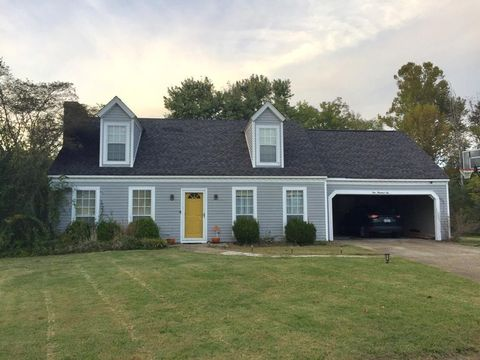 Amory, MS Houses for Sale with Swimming Pool - realtor.com®