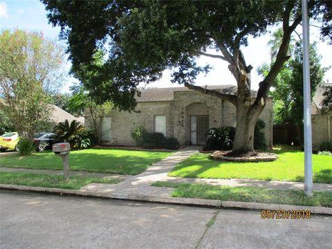 10815 Shawnbrook Dr, Houston, TX 77071
