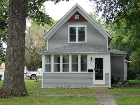 601 S 6th St, Lake City, MN 55041