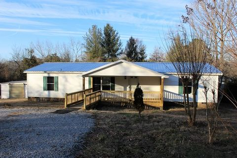 Photo of 121 Willow Springs Rd, Chatsworth, GA 30705