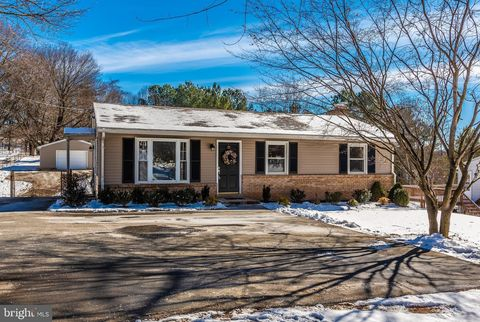 Photo of 2917 Green Valley Rd, Ijamsville, MD 21754