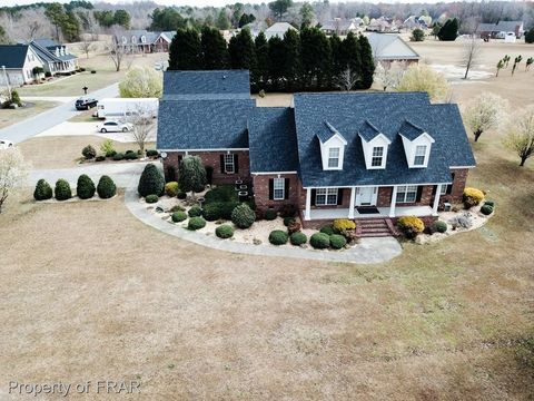 3915 Final Approach Dr, Eastover, NC 28312