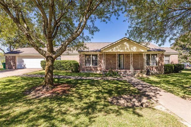 304 W Waco St Abbott, TX 76621