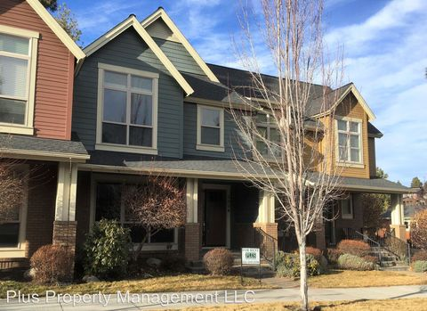 Photo of 2530 Nw Crossing Dr, Bend, OR 97703