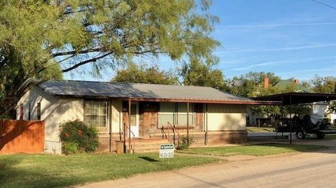 640 Griffin Rd, Albany, TX 76430