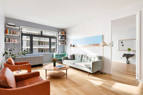 1102 49th Ave Apt 2 C, Queens, NY 11101