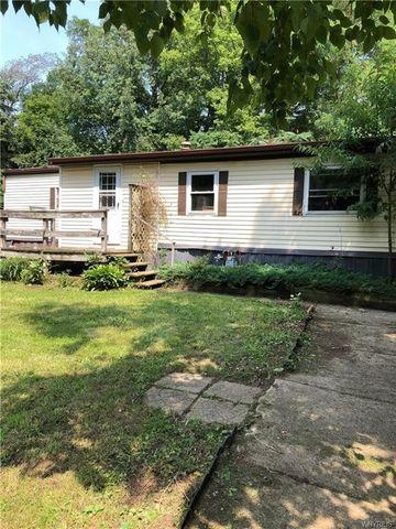 7151 Pine St, Oakfield, NY 14125
