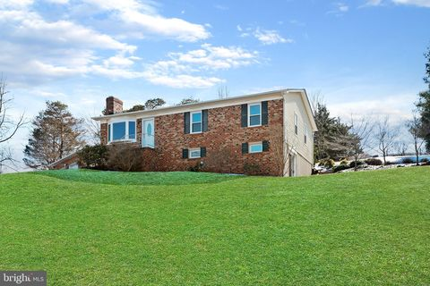 Photo of 3814 Purdum Dr, Mount Airy, MD 21771