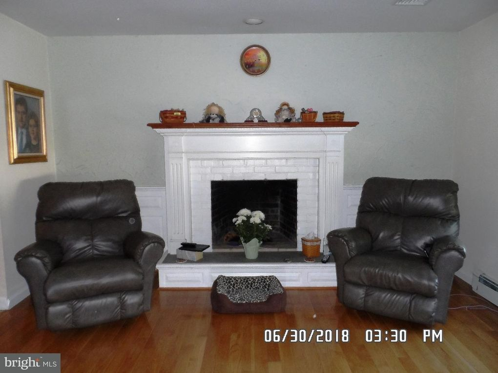 1476 Federal Dr, Downingtown, PA 19335