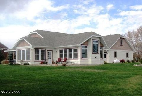 45240 140th St, Donnelly, MN 56235