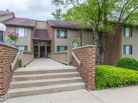 109 Knoll Ct Apt A, Noblesville, IN 46062