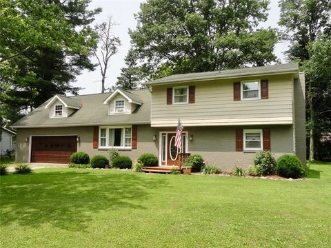 Conneautville, PA Houses for Sale with 2-Car Garage