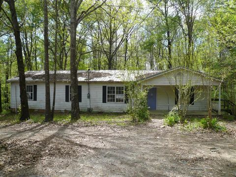 Photo of 96 Tina Cir, Hillsboro, TN 37342