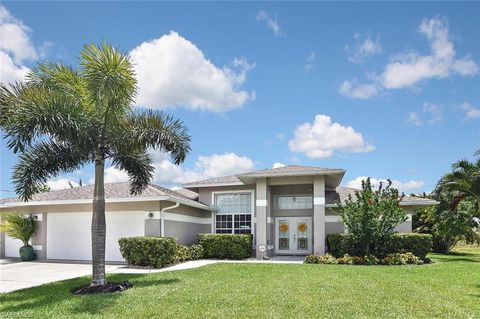 Photo of 1207 Sw 21st Ave, Cape Coral, FL 33991