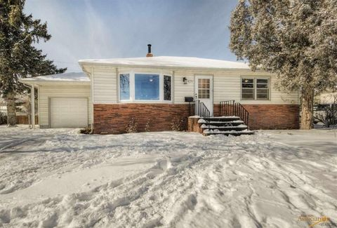 Photo of 409 41st St, Rapid City, SD 57702