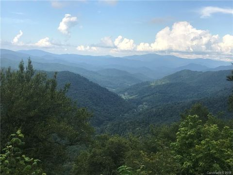 47 Overlook Dr, Mars Hill, NC 28754