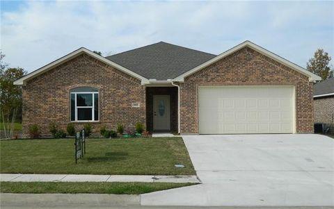 Photo of 302 Kelcey Ct, Trenton, TX 75490