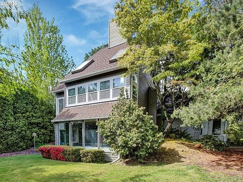 2545 Orchard Hill Ln, Lake Oswego, OR 97035