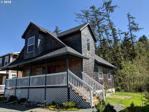 Photo of 26505 Kittiwake Dr, Rockaway Beach, OR 97136