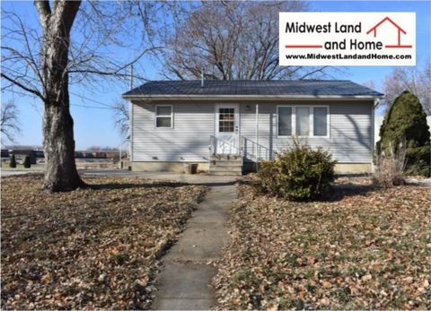 703 S 15th St, Marysville, KS 66508