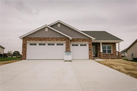 Photo of 124 Waters Edge Dr, Waterloo, IL 62298