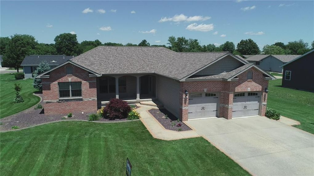 1715 W North 2nd St, Shelbyville, IL 62565