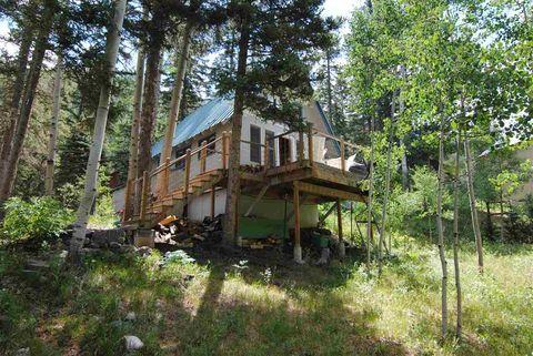 121 Twining Rd, Taos Ski Valley, NM 87525