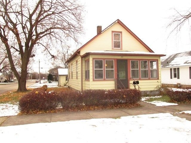 212 S Michigan Ave, Bradley, IL 60915