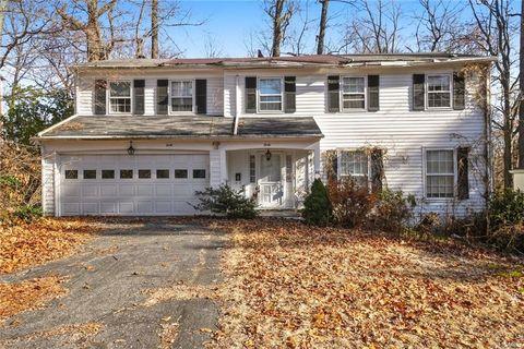 40 Richbell Rd, White Plains, NY 10605