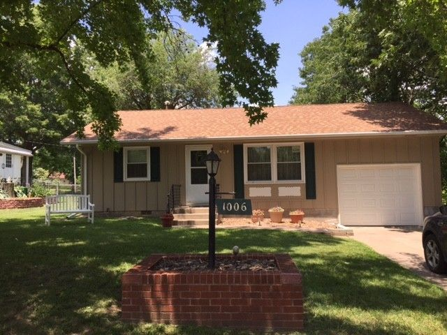 1006 W Floral St Nevada, MO 64772